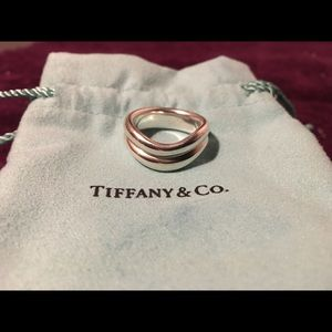 ‼️SOLD‼️Tiffany & Co Double Wave Ring Sz 6